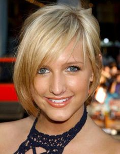cute short hairstyle with bangs