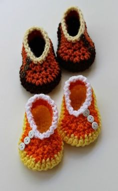 Candy Corn Crochet ~ free pattern. These crochet booties are great for the fall season.