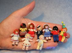 Tiny knitted dolls by Anja.