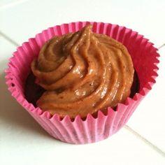 Chocolade pindakaas kaneel cupcakes – suikervrij, zuivelvrij en vegan