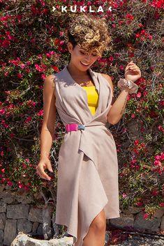 Das KUKLA-Wickelkleid ist so wunderbar flexibel, dass du dir ganz einfach deinen individuellen Sommerlook wickeln kannst. ☀ Entdecke jetzt auch andere Farben! #NachhaltigesWickelkleid #SlowFashion #NachhaltigeMode #Styleinspiration #summeroutfit #summerstyle