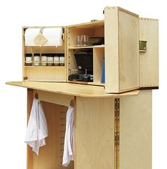 From camping culinary crafter My Camp Kitchen, the Summit is designed to provide ample prep and cooking space with all your cooking gear at your fingertips.