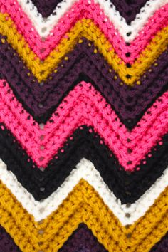 Chevron scarf how-to. Don't like the colors but good tutorial.