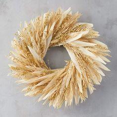 Flax & Wheat Wreath: Dried corn husks, oat, flax, and wheat, natural twig base. Corn Husk Wreath, Corn Husk Crafts, Pumpkin Images, Golden Harvest, Outdoor Wreaths, Summer Diy, Autumn Home, Autumn Fall, Fall Wreaths