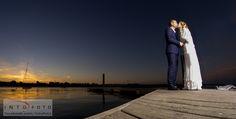 Det sidste kys inden solen er væk #Bryllup #Wedding #Bryllupsfotograf #Intofoto #Bryllupsfoto #Bryllupsfotografering #Hillerød #Nordsjælland #Sunset #Solnedgang