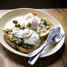 poached eggs with cannellini bean mash
