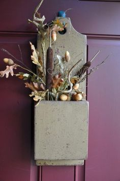 Colonial Doorbox-Red under Mustard Fall Halloween, Halloween Crafts, Primitive Autumn, Country Primitive, Prim Decor, Autumn Decorating, Fall Home Decor, Fall Wreaths, Fall Harvest
