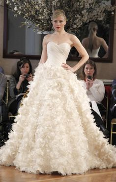 http://www.romonakeveza.com/collections/bridal/2011/spring/index.html