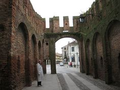 Entering Montagnana