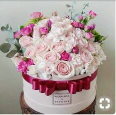 Rectangular Shape of Flower Box. Various Shapes of Flower Boxes Customization From Professional Packaging Factroy. Arrangements Ikebana, Floral Arrangements, Box Roses, Pink Roses, Pink Flowers, Flowers For You, Pretty Flowers, Amazing Flowers, Beautiful Roses