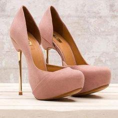 gold heel, soft purple shoes