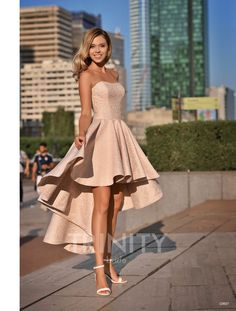Outstanding maxi dresses are readily available on our internet site. Have a look and you wont be sorry you did. Cute Prom Dresses, Gala Dresses, Quince Dresses, Pretty Dresses, Beautiful Dresses, Champagne Homecoming Dresses, Formal Evening Dresses, Look Fashion, Cheap Fashion