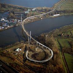 nesciobrug/オランダ Rickety Bridge, Bridge Design, Pedestrian Bridge, Countries Of The World, Aerial View, Amsterdam, City Photo, The Incredibles, Tours