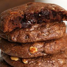Brownie Cookies Recipe by Tasty Brownie Cookies, Chip Cookies, Baking Recipes, Cookie Recipes, Dessert Recipes, Biscuit Cookies, Tray Bakes, Just Desserts, Sweet Tooth