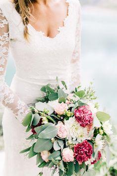 Esther & Marius: Alpeneleganz im Sommer RAISA ZWART PHOTOGRAPHY http://www.hochzeitswahn.de/inspirationen/esther-marius-alpeneleganz-im-sommer/ #wedding #inspiration #flowers
