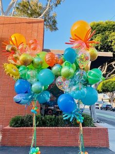 Big Balloons, Birthday Balloons, Baby Shower Bouquet, It's Your Birthday, Happy Birthday, Diy Wedding Food, Sims Baby, Molly Sims, Zombie Party