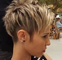 Best Short Layered Pixie Cut Ideas 2019 Best Short Layered Pixie Cut Ideas In every period of rapidly changing hair trends, short pixie cuts can be an excellent experience Short Pixie Haircuts, Cute Hairstyles For Short Hair, Curly Hair Styles, Beautiful Hairstyles, Pixie Bob, Cut Hairstyles, Layered Haircuts, Teenage Hairstyles, Style Hairstyle