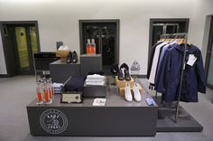 Wenn es um Mode geht, bin ich immer auf der Suche nach etwas besonderen. Es kann extravagant sein, oder Stücke die lokal in kleineren Stückzahlen entstehen. Hier bin ich fündig geworden #kauflokal #mode #maennermode #fashion #muenchen #muc