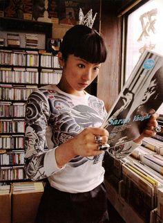 Aesthetic Japan, Retro Aesthetic, Driver Film, Shiina Ringo, Pastel Punk, Face Study, Japanese Streets, 90s Hairstyles, Band Aid