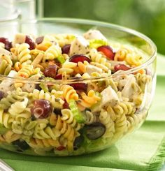 Chicken Pasta Salad with Grapes and Poppy Seed Dressing - Pull off a dinner pasta salad in less than 30 minutes. Six easy ingredients are all you need