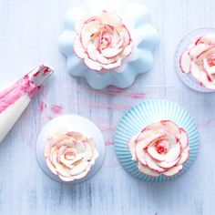 Piped buttercream roses from La Gallette - see more of our favourite insta-inspo on instagram @sweet_magazine