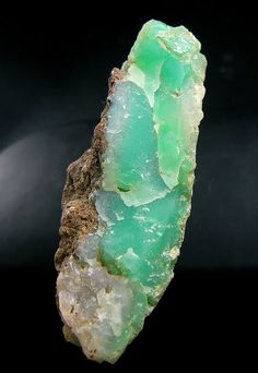 Chalcedony  var. Chrysoprase from Australia / Mineral Friends <3
