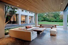 Opulence Meets State-Of-The-Art Modern Design in SAOTA's Silverhurst Residence