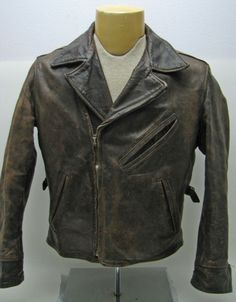 I bought a Levi's 'Rough and ready' jacket years ago while in the Aero leather factory in Scotland. This is the original 20's-30's jacket that they copied. #buzzrickson #mrfreedom #aeroleather #vintagejacket #vintageleatherjacket #realmcoy #irwinjacket #rrl #ralphlauren #flightjacket #vintagecoat