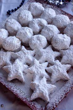 Omlós tészta New Karvalis Greek Sweets, Greek Desserts, Greek Recipes, Xmas Food, Christmas Sweets, Kourabiedes Recipe, Greek Cake, Greek Cookies, Greek Pastries