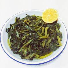 Boiled leafy greens (horta) are so popular in Greeceand consumedall year round by both mainlanders and islanders.  You will definitely find them on a menu in mosttraditional Greek taverns- as they are a staple in the Mediterraneandiet.  The health benefits are second to none and can be servedas a side dish, or a light, simple lunch.  You can use endive, chicory, dandelion (Radikia) , wild spinach, purslane, beetroot leaves, or amaranth (Vlita).      Ingredients→  - 1 x kg fresh…