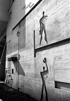 Unité d'habitation, Berlin, Germany / Le Corbusier (photo: jmtp on Le Corbusier, Architecture Design, Gothic Architecture, Architecture Interiors, Concrete Architecture, Alvar Aalto, Architecture Organique, Villa Savoye, Famous Architects