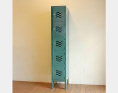 パシフィックファニチャーサービス(PACIFIC FURNITURE SERVICE) LYON LOCKERの写真 Cabinet, Storage, Clothes Stand, Purse Storage, Closet, Larger, Cupboard, Vanity Cabinet, Store