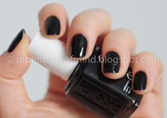 essie devil's advocate / perfect fall color, almost black until you get in bright light. Sneaky little purple ;)