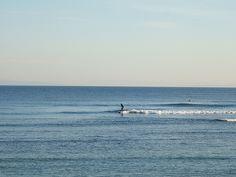 Surferos en Caños de Meca en Barbate (Cádiz)  #Beach #Cádiz   www.restaurantecastillejos.es