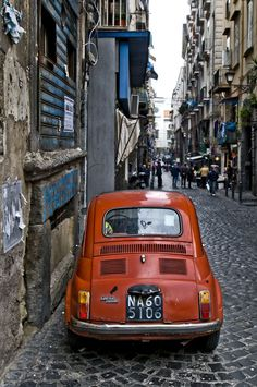 Fiat 500 back Fiat Cinquecento, Fiat Abarth, Vespa, Retro Cars, Vintage Cars, Fiat 500 S, Cute Cars, Small Cars, My Dream Car