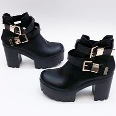 shoes  tracksoles  δίπατα  fashion  girls  women  boots  womenshoes   autumn  winter  2015  shoes2015  fashion  παπούτσια  heels  higheels   μποτάκια ... a4c9ef5285a