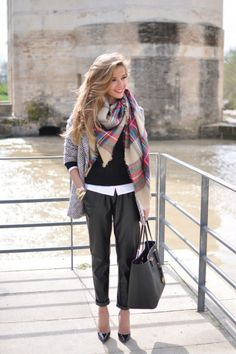 22 Fashionable Office Outfit Ideas for Women; An Easy Look for Office  http://www.ecstasycoffee.com/22-fashionable-office-outfit-ideas-women-easy-look-office/  #officeoutfit #women