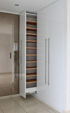 Built-in Cabinets  .ausziehbarer Schuhschrank