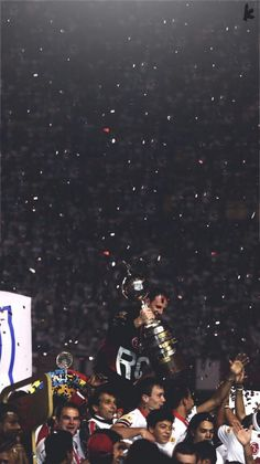SPFC 🇾🇪 Tri da libertadores 2005 Best Football Players, Iphone Background Wallpaper, Night City, Marvel Dc, My Photos, Soccer, Pictures, Cell Wall, India