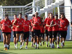 Benfica: só falta Jiménez na preparação para o Portimonense