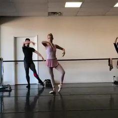 "5,406 Me gusta, 38 comentarios - ballet (@ballet.lifes) en Instagram: ""STUNNING!!!! @chloesherman  ✨ From @worldwideballet ------------------ #ballet #balletlove…"""