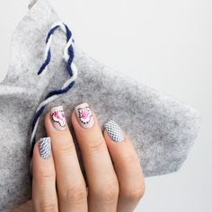 Oktoberfest Nageldesign Inspiration mit Essie Lacken - Bretzeln und Rauten Essie, Us Nails, Nail Artist, Beauty Nails, Lovers Art, Swatch, Nail Designs, Dots, Polish