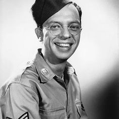 Knotts acted in many movies and television shows but we salute him today because of his service in the U.S. Army from June 21, 1943 to January 6, 1946. Any Don Knotts fans out there? See if your favorite celeb served: FamousVeterans.com #armedforces #famous #fame #threescompany #DeputySheriffBarneyFife #barneyfife #theandygriffthshow #theincrediblemrlimpet #thejoeybishopshow #theredskeltonshow #mchalesnavy #army #unitedstates #actors #moviestars #tvactors #acting #commedy Mchale's Navy, Famous Veterans, Barney Fife, Don Knotts, Umbrella Man, Oscar Winning Movies, The Andy Griffith Show, Young Celebrities, Celebs