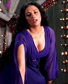 Kamapisachi swetha menon topless showing her sexy boobs