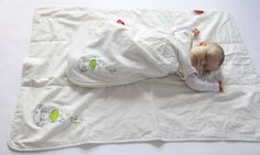 Keep baby warm naturally with Zizzz sleeping bags