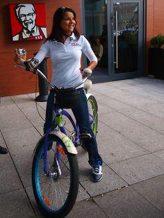 Joanna Jabłczyńska na rowerze z #KFC / Joanna #Jablczynska #biking with KFC