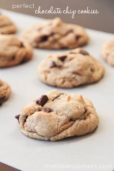 Perfect chocolate chip cookies from The Baker Upstairs. These are (no kidding) the best chocolate chip cookies in the world! http://www.thebakerupstairs.com