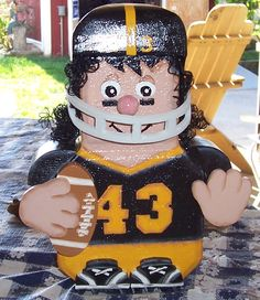 Make A Cleveland Brown Paver! Cement Pavers, Painted Pavers, Brick Pavers, Painted Rocks, Painted Bricks Crafts, Brick Crafts, Brick Projects, Flower Pot People, Clay Pot People