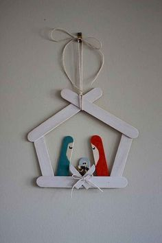 craft stick crafts for kids christmas Christmas Crafts For Kids, Diy Christmas Ornaments, Craft Stick Crafts, Homemade Christmas, Christmas Projects, Simple Christmas, Kids Christmas, Holiday Crafts, Christmas Gifts
