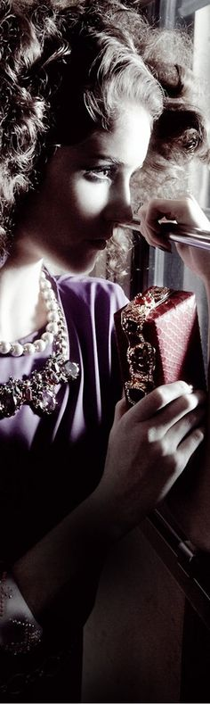 Everyone deserves a perfect world! Glam Girl, Purple Fashion, Perfect World, After Dark, Shades Of Purple, The Dreamers, Editorial Fashion, Chic, Orient Express